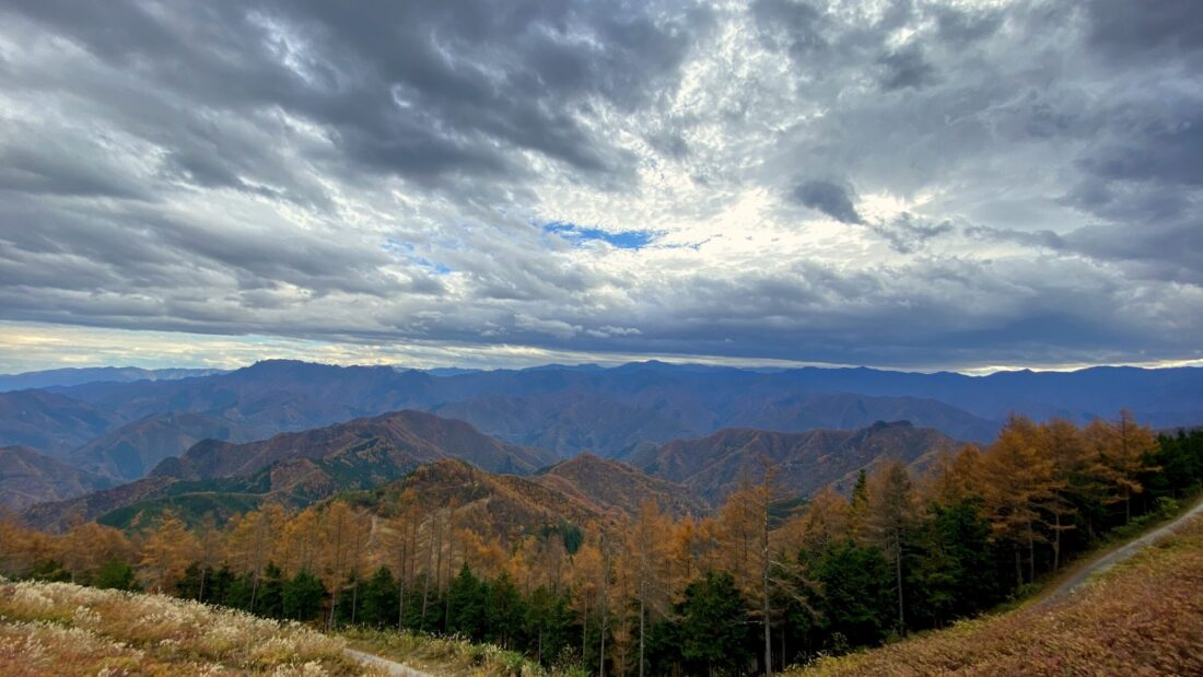 Fall Hiking in Uenomura: Mikabo Super Rindo Observation Deck