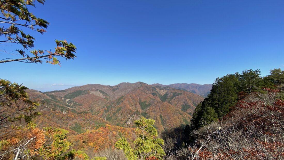 Fall Hiking in Uenomura: Mt. Kasamaru summit