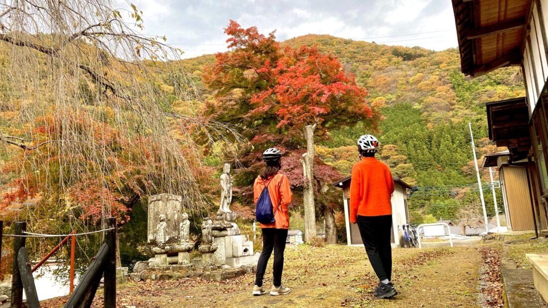 Fall Cycling Route in Uenomura: Chushoji Temple