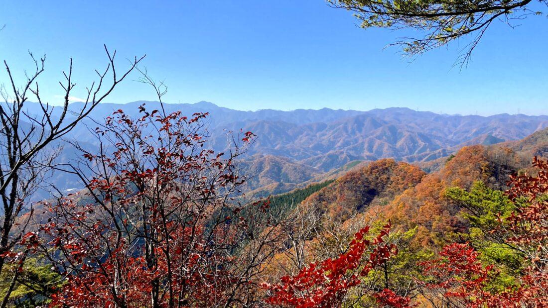 Fall Hiking in Uenomura: Mt. Kasamaru first view