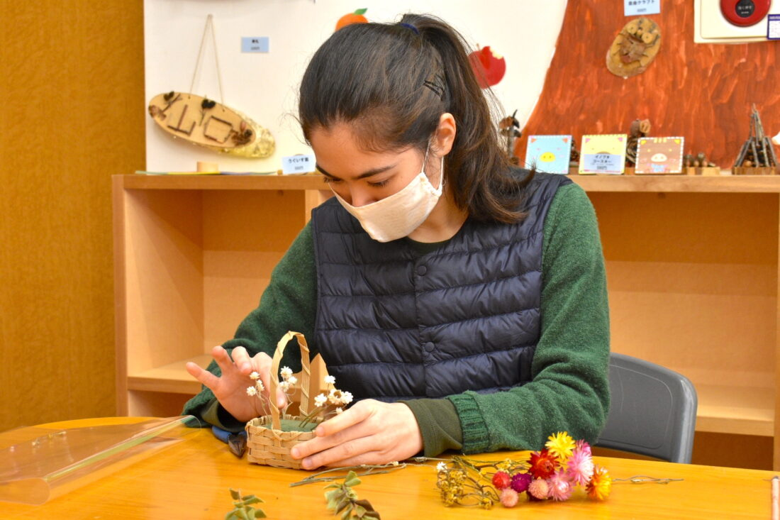 Family Weekend Getaway in Uenomura: Make-your-own holiday wreath